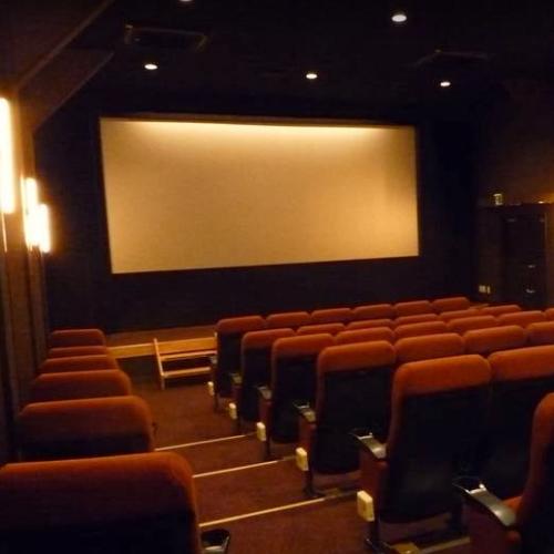 映画館内スクリーン