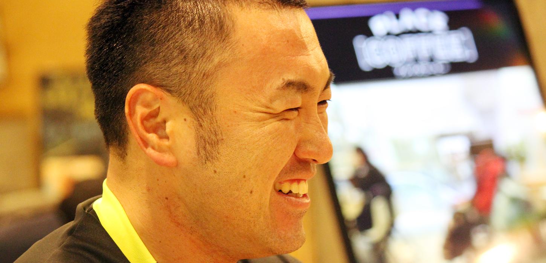 笑顔の長沼郁生さん