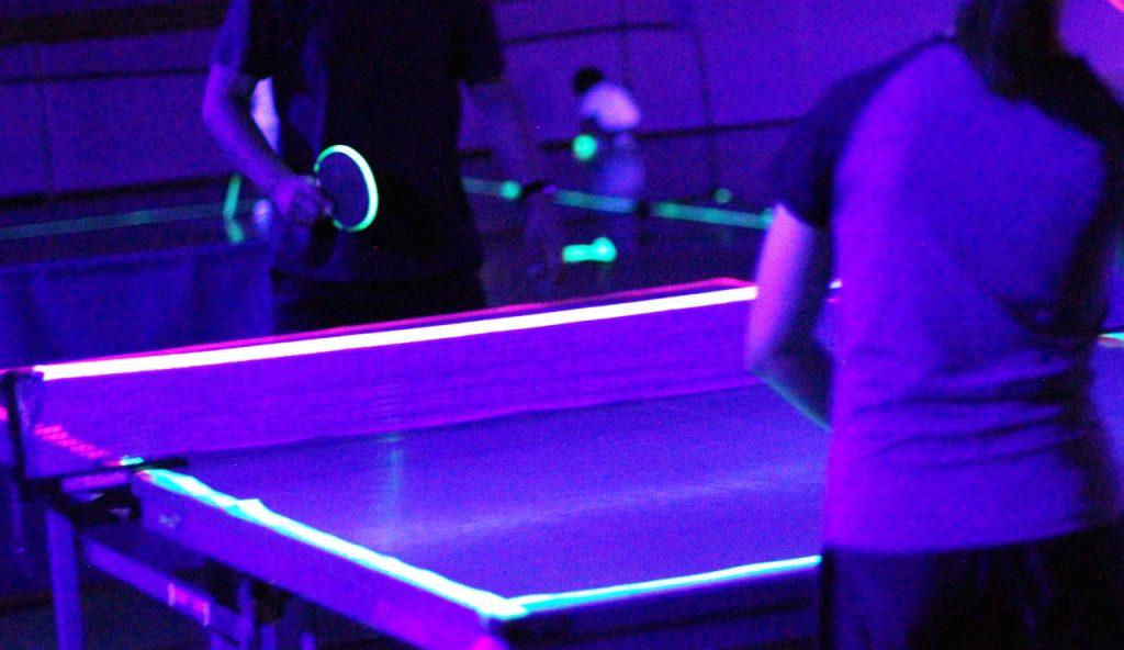 ブラックライト卓球